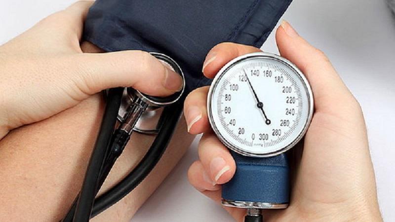 متخصص ارتودنسی اصفهان تاثیر فشار خون بالا بر روند درمان ارتودنسی یا درمان های دندانی